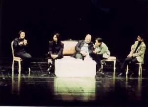 役作りについて話す藤村実穂子氏と、指揮者の準・メルクル氏、演出家のキース・ウォーナー氏、通訳のワシントン・寿代氏、司会・進行役の船木篤也氏
