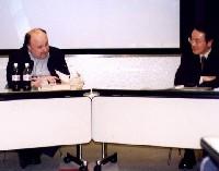 キース・ウォーナー氏(左)と、司会・進行役の鈴木伸行氏(右)